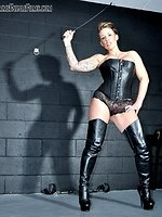 Female-dominator Jennas 1st session for Femme Fatale leaves her...