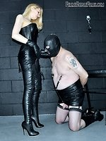This session features intensive leather adoration with enormous...